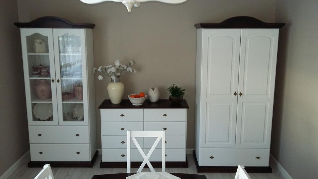 meble z drewna litego do salonu pokoju kraina mebli