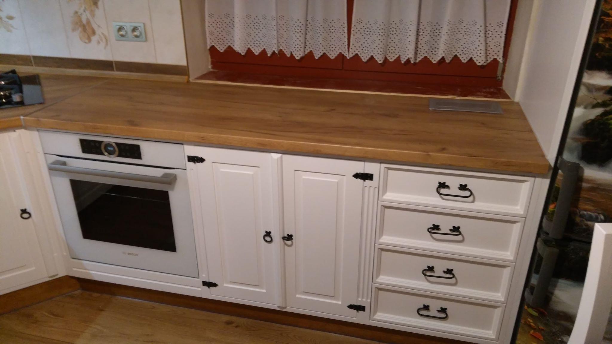 stylowa kuchnia z drewna